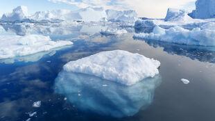 Narodziły się dwie góry lodowe