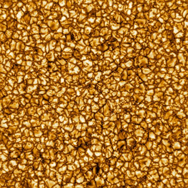 Plazma pokrywająca Słońce na zbliżeniu (NSO/NSF/AURA)