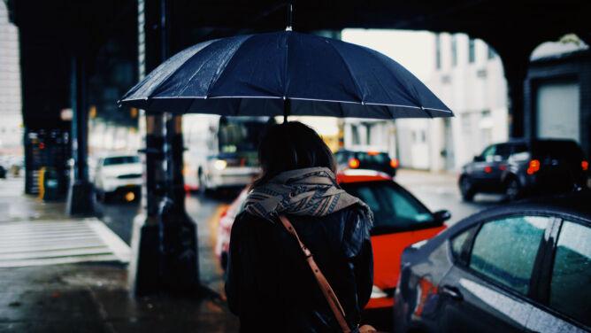 Prognoza pogody na dziś: deszczowo i do 9 stopni. W górach porywisty wiatr