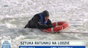 Akcja ratownicza WOPR przy użyciu koła (TVN24)